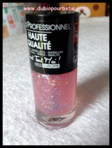 vernis rose transparent paillettes